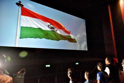 सूचना एवं जनसम्पर्क मंत्री स्कूली बच्चों ने देखी फिल्म 'सुपर30'