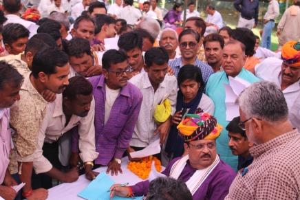 आमजन को दें सरकारी योजनाओं  का लाभ-चिकित्सामंत्री